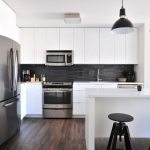 Kuhinja u kojoj su izvršene prepravke koje podižu cenu stana