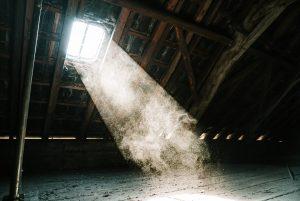 Kosi prozor i svetlo